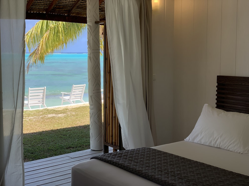 Room, Moorea Island Beach