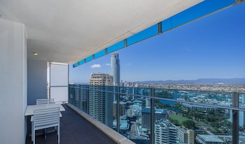 Pelicanstay Orchid Ave Surfers Paradise