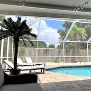 NEW !! Sarasota House w Heated Pool 4 Bed/3 Bath