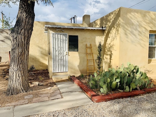 Casita Bonita! - Walking Distance From Old Town
