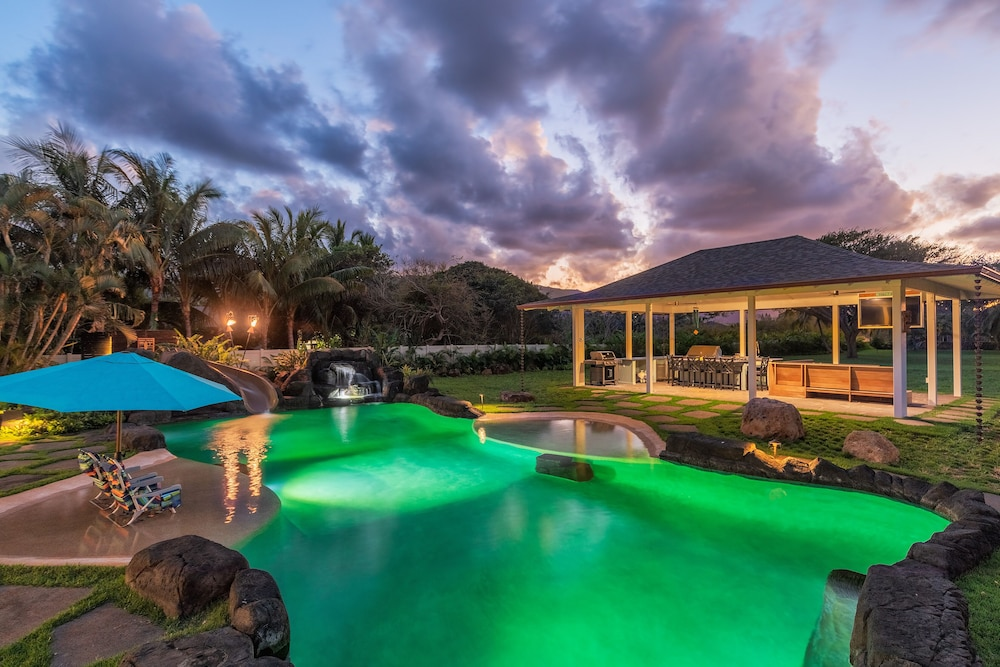 Pool, North Shore/waialua - Large Estate Home W/resort-style Pool, Steps to Beach!