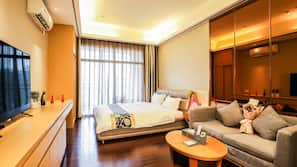 書桌、窗簾、熨斗/熨衫板、免費 Wi-Fi
