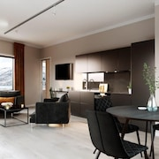 Luxury downtown apartments ap 202