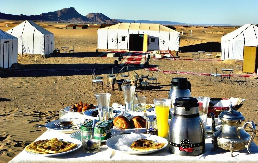 Outdoor Dining, Zagora luxury camp