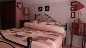 Free cots/infant beds, rollaway beds, free WiFi, bed sheets