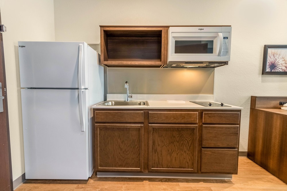 Private Kitchen, WoodSpring Suites Tamarac