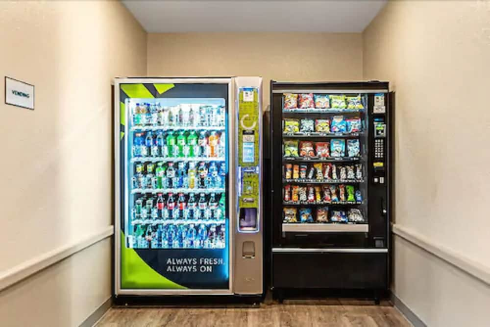 Vending Machine, WoodSpring Suites Tamarac