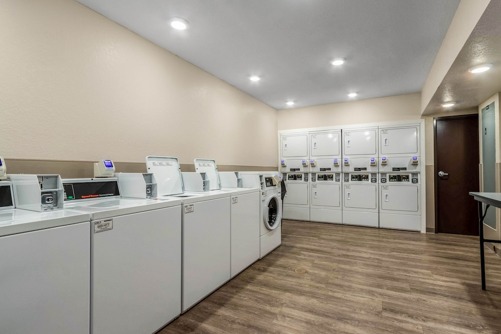Laundry, WoodSpring Suites Tamarac
