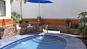 2 outdoor pools, open 9:00 AM to midnight, sun loungers