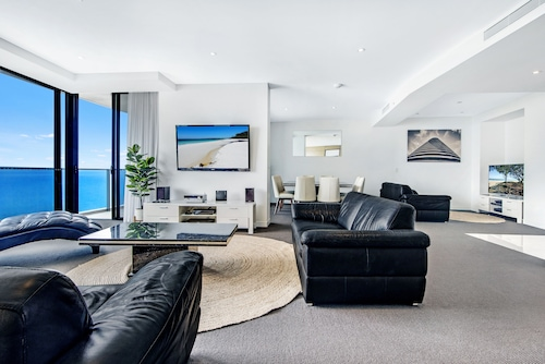 Oracle Resort Private 3 Bed SubPenthouse