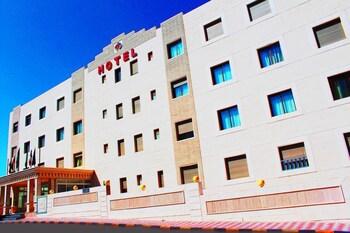 Rest Hills Hotels