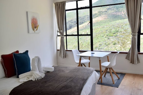 1 Bedroom Disa Park Studio in Vredehoek