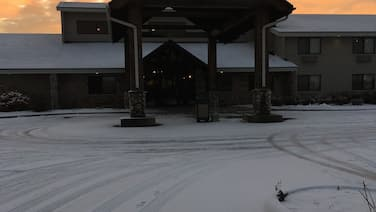 Moose Lake Lodge & Suites