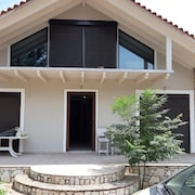 House With 4 Bedrooms in Marathon, With Enclosed Garden and Wifi - 5 km From the Beach