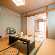 Station 3 min Walk Namba Direct Line 8 m - Yu Yu House Powder Beach Plum / Osaka Osaka
