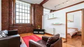 1 bedroom, iron/ironing board, linens