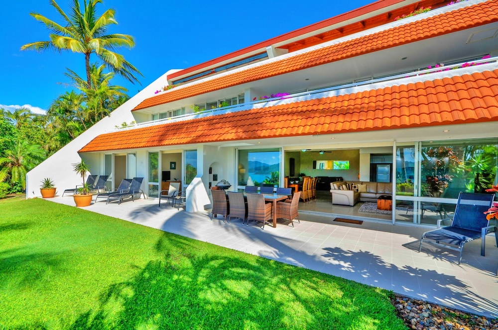 Featured Image, Bella Vista East 3 Luxury Ocean Views Large Flat Grassed Area + Buggy