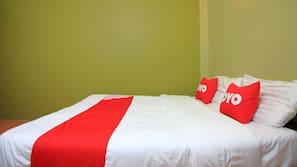 Minibar, rollaway beds, free WiFi