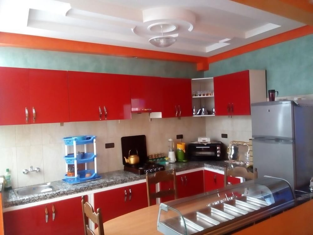 Shared Kitchen, Sunrise GuestHouse