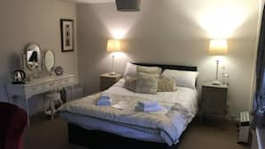 Iron/ironing board, bed sheets, wheelchair access