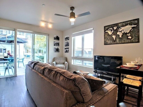 Brand New 1 Bed 1 Bath , 1 Bed/1bath, Roof Pool-c2 1 Bedroom Apts