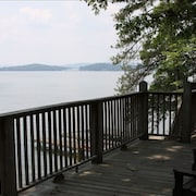 Cozy 3br/2ba Signal Point/ Boathouse/ Main Channel/deep Water/ Private/ View!!
