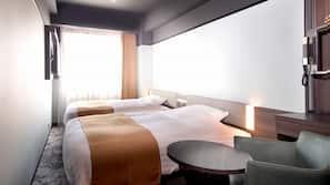 窗簾、免費 Wi-Fi、床單