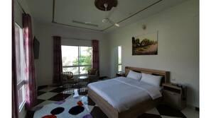 7 Schlafzimmer, Bügeleisen/Bügelbrett, WLAN
