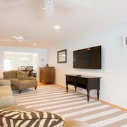 Manasquan Beach House - Steps From the Beach