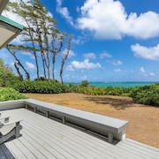 Malaekahana- Incredible Beach Front Living, Perfect for Family of 6, Acre, Secluded, North Shore