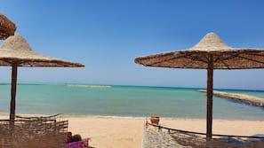 Am Strand, Liegestühle, Strandtücher