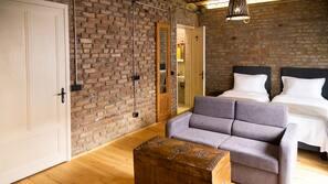 Premium bedding, minibar, in-room safe, free WiFi