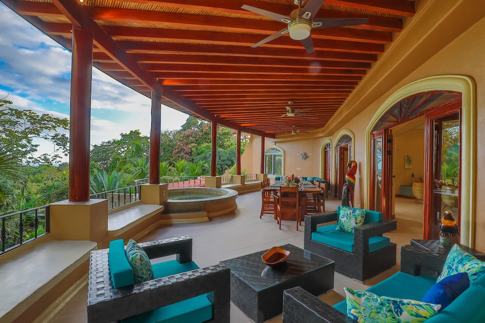 Balcony, Private Luxury Jungle House! - Newly Renovated