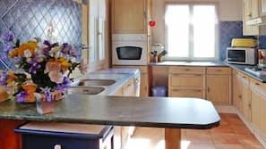 Micro-ondes, four, plaque de cuisson, lave-vaisselle