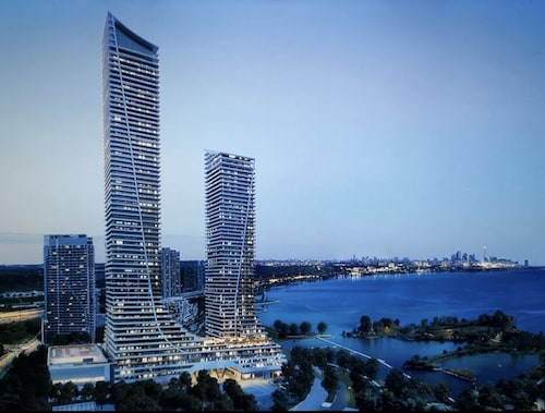 Exclusive New Condo With the Lake View in the Heart of Toronto