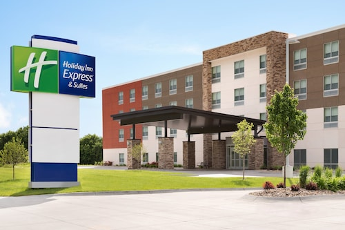 Holiday Inn Express & Suites Jersey City - Holland Tunnel