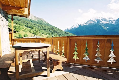 Chalet With 5 Bedrooms in Sainte-foy-tarentaise, With Wonderful Mountain View, Furnished Garden and Wifi