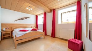 Cribs/infant beds, free WiFi, bed sheets