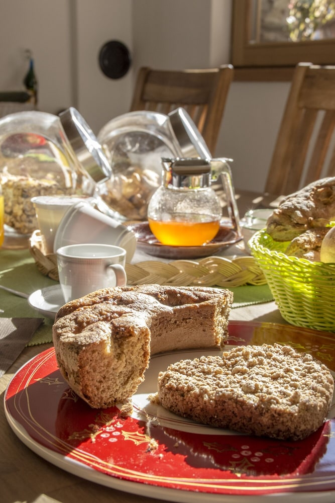 Breakfast buffet, B&B Terre Aromatiche