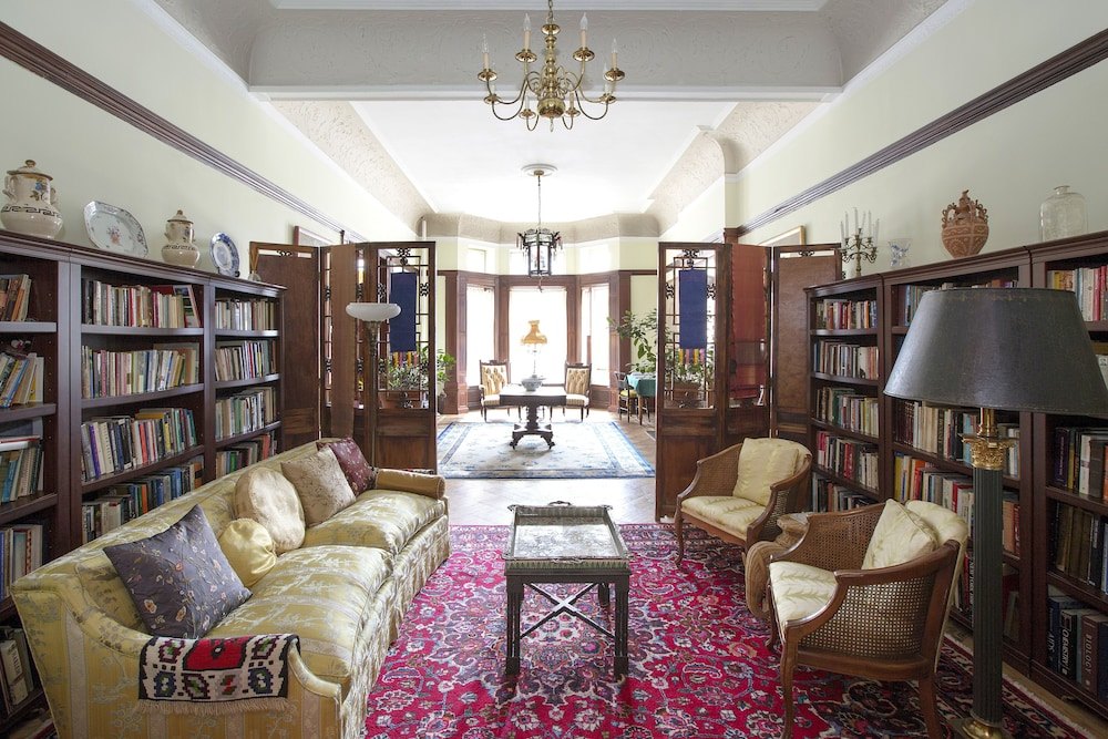 Library, Luxurious Suites in a Manhattan Mansion