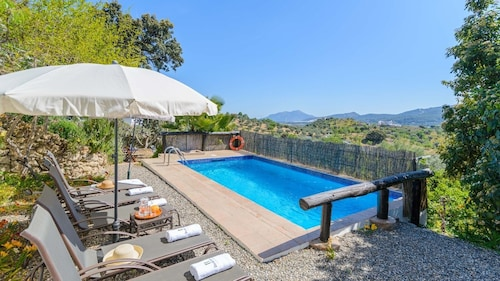 Beautiful Villa in the Heart of the Mountains of Malaga