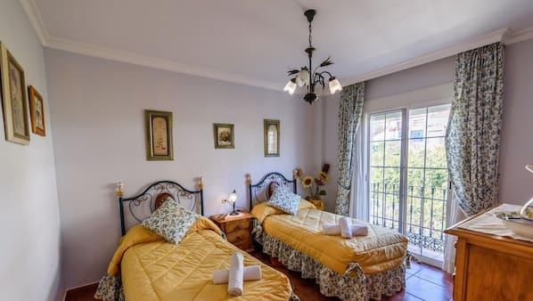 3 bedrooms, iron/ironing board, WiFi