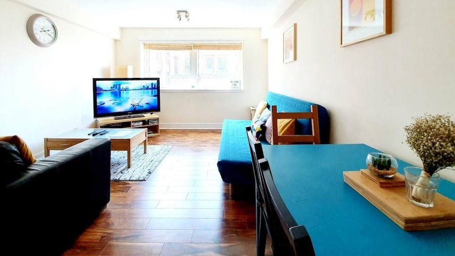 Stunning Spacious  Flat In Glasgow City