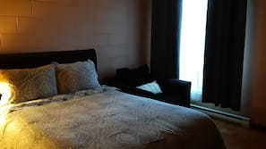 Blackout drapes, soundproofing, free WiFi, bed sheets