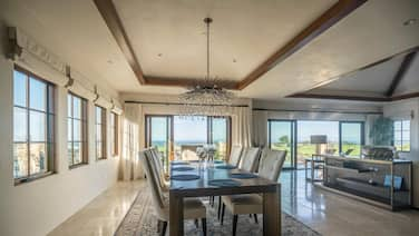 Lx14: Luxury Golf Course Villa With 360 Ocean View
