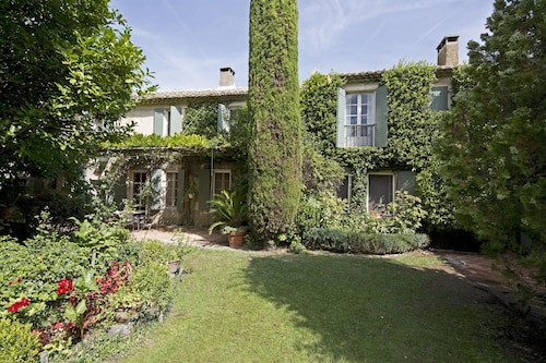 Villa With 6 Bedrooms in Saint-rémy-de-provence, With Private Pool, Enclosed Garden and Wifi - 266 km From the Beach
