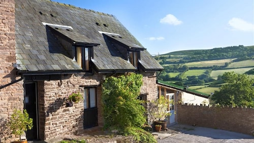 Cuddfan Cottage - One Bedroom House, Sleeps 2