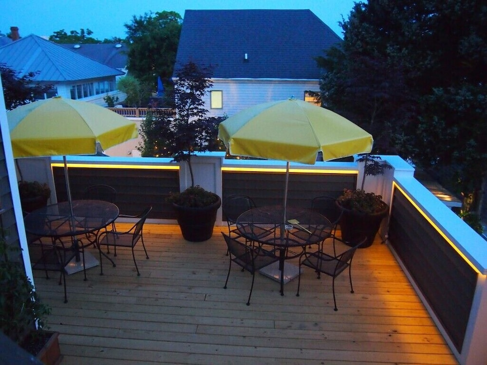 Outdoor Dining, Rehoboth Guest House - Adults only