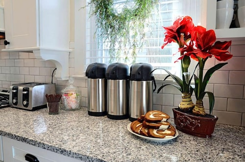 Coffee Service, Rehoboth Guest House - Adults only
