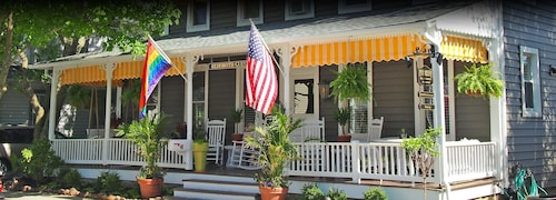Rehoboth Guest House - Adults only